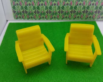 Marx Traditional Yellow  Deck  Chairs Soft  Plastic Arm Chairs Patio or Laundry room