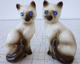 Grumpy Siamese Cats Vintage Salt and Pepper Shaker Set Rhinestone Eyes Kitsch S&P Japan