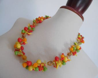 THE FRUIT GARDEN . Art Deco Novelty Cherry Berry Apple Pear Banana Mod Vintage Celluloid Necklace Pinup Graduated 40s