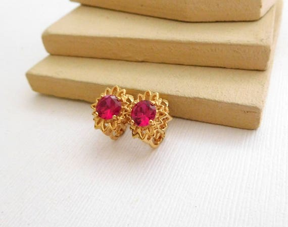 Vintage Genuine Red Ruby Gold Plated Small Flower Clip On Earrings C46