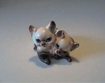 Vintage 1960's Josef Originals playful Siamese twin kitty cats - Disneyland label