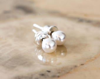 842_ SWAROVSKI White pearl stud earrings, Pearl earrings silver 925, Silver pearl earrings, Stud pearl Earrings, Sterling silver earings.