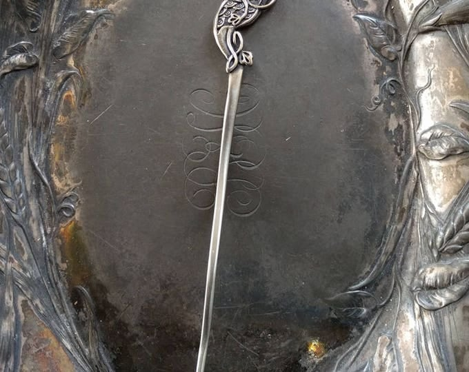 Shawl Stick Pin Apus Celtic Bird of Paradise
