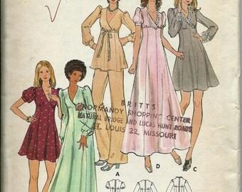 """ON SALE VTG Butterick 6880 1970s Junior Petite Dress Or Tunic & Pants Pattern, Size 7Jp, 32"""" Bust, Uncut"""