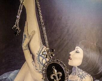 """Long silver Boho Chic fleur de lis """"Royalty"""" felt cabochon necklace"""