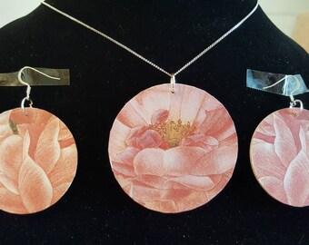 Beautiful feminine earring set