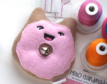 Kitty Donut | Bell Cat Toy | Organic Catnip | Cat Doughnut | Jingle Cat Toy | Gift for Cat | Kawaii | Catnip Toy | Cat Donut | Cat Gift |