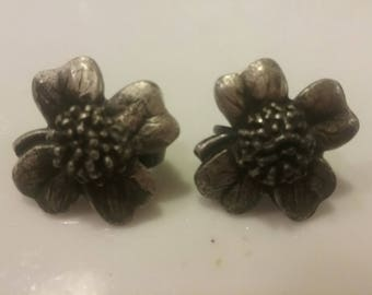 Pewter Dogwood Clip-On Earrings/ 50s Clip-ons