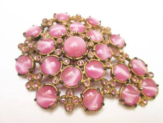 Pink Fur Clip - Moonstone  Rhinestone - Glass cats eye - Vintage Dress Clip