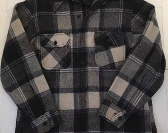 Vintage JC Penney Black Charcoal Gray Plaid Camp Outdoorsman Hiker Camping Shirt LG