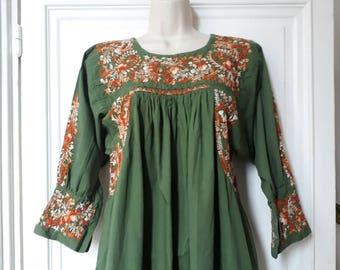 Vintage 70 embroyed green long dress