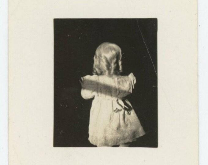 Vintage Snapshot Photo: Ringlets (710613)