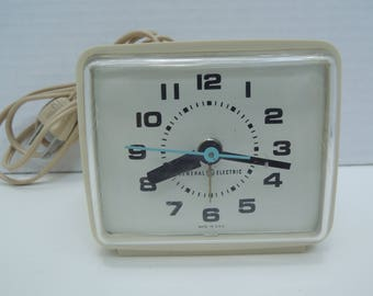 Alarm clock, General Electric,  Electric bedside alarm, Great working condition, Vintage