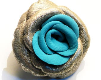Flower leather brooch clear gold and turquoise nubuck