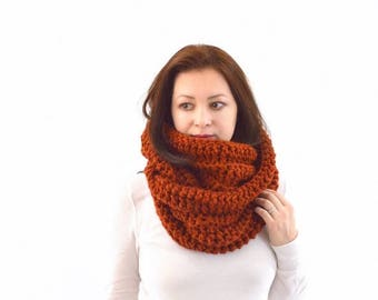 SALE Chunky Infinity Scarf | The Zurich