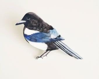 Magpie Bird Pin - British Bird - Illustrated Bird Pin - Shrink Plastic Pin - Wildlife Pin - Handmade Brooch - Bird Brooch - British Bird Pin