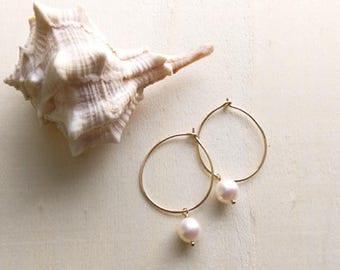 White pearl hoop earrings, hammered gold hoops, Everyday wear, Beach jewelry