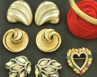 All Signed Trifari Costume Jewelry Lot Earrings Brooch Bracelet ~ Lot 1430