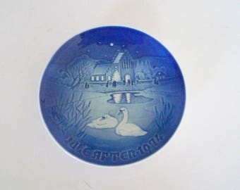 Bing and Grondahl B & G Christmas Wall Plate 1974 - Swans Collectible Danish Vintage Wall Decor