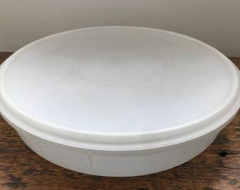 Vintage Tupperware Round Cupcake/Pie Keeper Carrier - Great For Cookies and Baked Goods 242