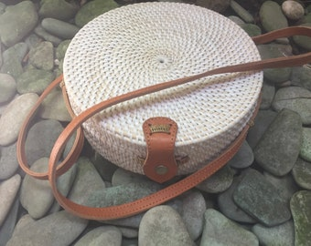 Handmade Rattan| Round bag; Bali bags; Crossbody;  Boho bag; Hippie Bags; Made from Bali, Indonesia