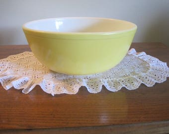 Large Pyrex Yellow Bowl # 404