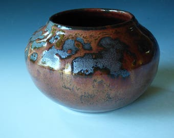 little coppery pot