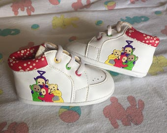 VTG Teletubbies Baby Boy Girl Crib Shoes Boots Sz 2 Infant