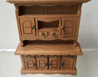 "Dollhouse Miniature 1/2"" Scale Hutch (JV)"