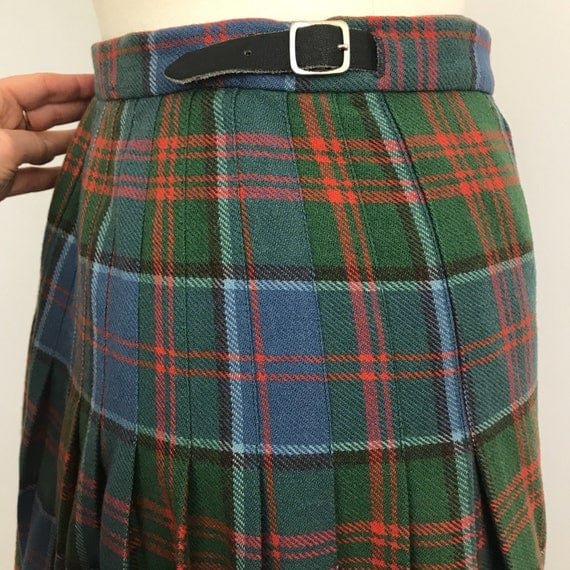 vintage kilt tartan skirt plaid pleated skirt classic style stewart of appin blue red weave UK 16 high waisted pitlochry Scottish tartan