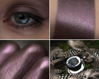 Eyeshadow: Instigating Owls - Druidess. Gray-lilac satin eyeshadow by SIGIL inspired.