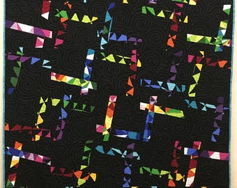 Modern quilt, throw quilt, Colorworks quilt, made in Canada