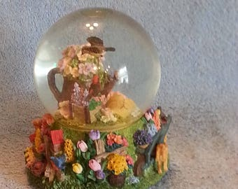 Musical Snow Globe - Floral Theme - Nature Theme - Animated