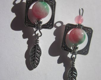 2 colored agate and 4.1 cm (Y14) silver charms