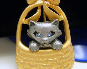 Vintage Danecraft Kitten in a Basket Brooch Blue Rhinestone Eyes