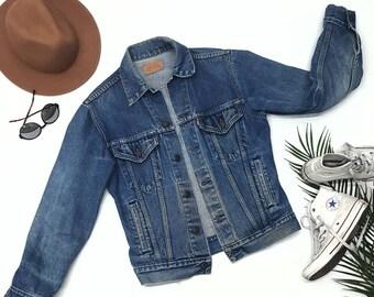 Levis Denim Vintage Jacket 70s mens or womens, medium size 36r,Amazing denim Jacket great for spring!