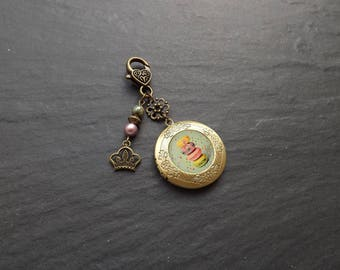 "door key & ""macaroons"" picture holder made of swarovski Pearl and Czech glass beads"