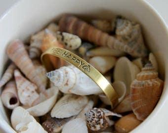 Bee happy | Handstamped bracelet 6mm