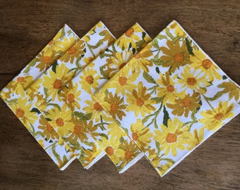 """Vintage/retro linen napkins, yellow and gold daisies, set of 4, 16"""" square"""