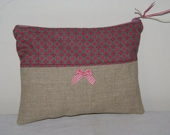 Zipped linen and pink stylized flowers