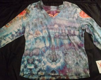Woman's tie dye long sleeve shirt