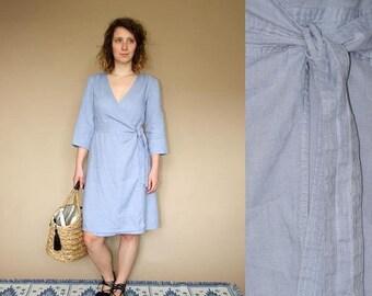 ON SALE 90's vintage women's light blue linen minimal wrap dress