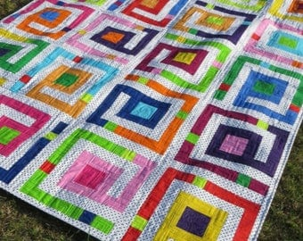 Labyrinth quilt pattern by Sew Many Creations.