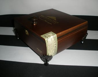 Mombacho Cigar Box Valet, Watch Box, Stash Box, Gun Box, Jewelry Box, Authentic, Tampa