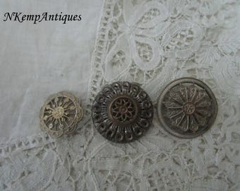 Antique button x 3 for the collector