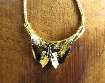 Vintage Gold Bee Necklace - PCraft Insect Leaf Necklace - Insect Jewelry