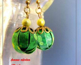 small pair of earrings textile green yellow printed