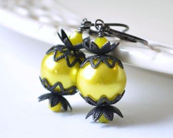 Chartreuse Earrings, Halloween Jewelry, Black, Green Yellow Glass Pearls, Gunmetal Leverback Earwires