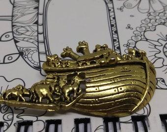 Noahs Ark gold tone brooch pin animal theme jewelry