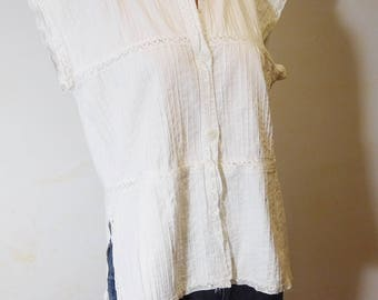 Vintage Handmade Sleeveless White Top Lace Pleated Button Down Mori Girl Style Blouse 2 Front Pockets Size Medium Large